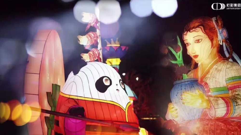 """小年夜看雨城,""""时下光影盛宴""""齐聚一堂,米乐m6平台携手呆萌神兽等您前来开启新春狂欢!"""