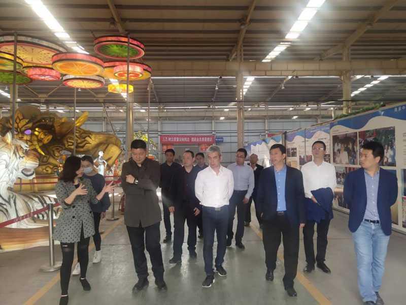 利亚德集团文旅研究院常务副院长温再林一行 莅临自贡米乐m6平台集团调研考察